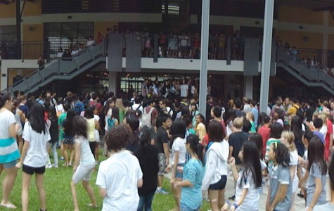 Middle School Takes Over UNIS with Flashmob