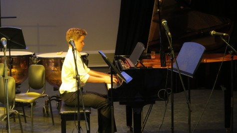 Niklas Jaakola (9th grade) on the piano