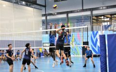 Student athletes play volleyball at UNIS